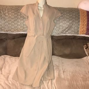 Shelby palmer size 10 tan belted button down dress